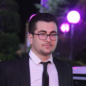 رضا رستگار، عضو آریامدتور، دانشجوی شریف و رشته MBA