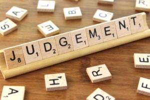 قضاوت یک جانبه از سوی مدیران سازمان درمورد ارزیابی کارکنان